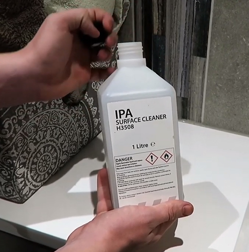 IPA cleaning solution for anti slip bath preparation